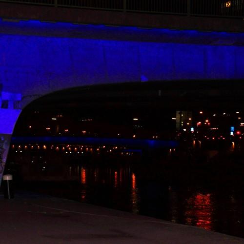 Die Stadt Wien illuminierte 4 Brücken über den Donaukanal.